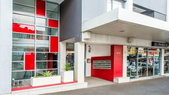 Erskineville apartment sells under the hammer for $875,000