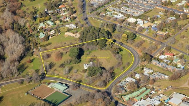 Retirement village mooted for 1840s Gisborne hotel site, Macedon House