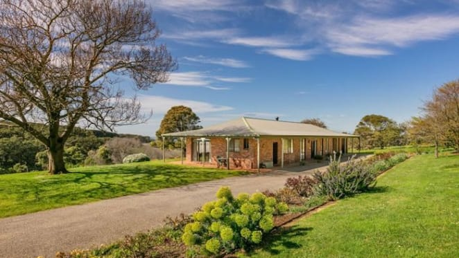 37 acre Flinders trophy home listed