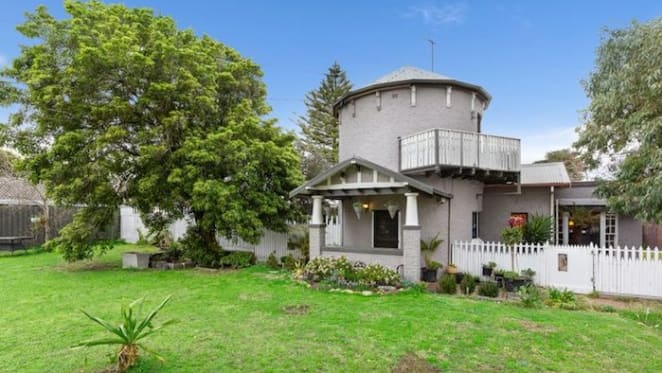 Historic Frankston residence with former wheat silo sold