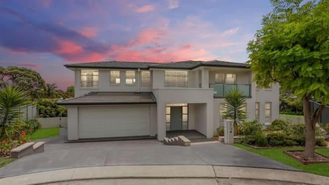 Channel Seven's Ryan Phelan buys Frenchs Forest home