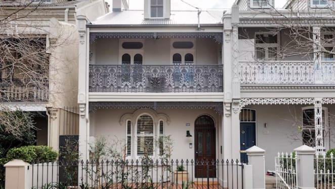 Peter Garrett sells Paddington terrace and buys at Kangaroo Valley