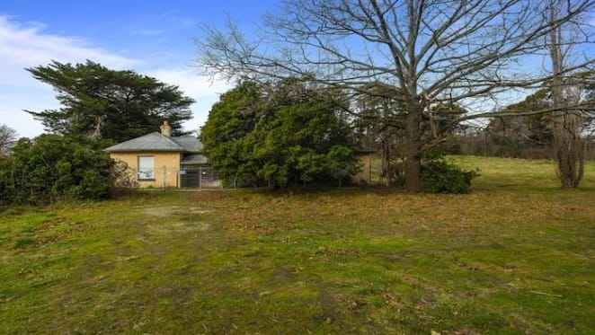 Gisborne's Macedon House sold for $1.36m by mortgagees