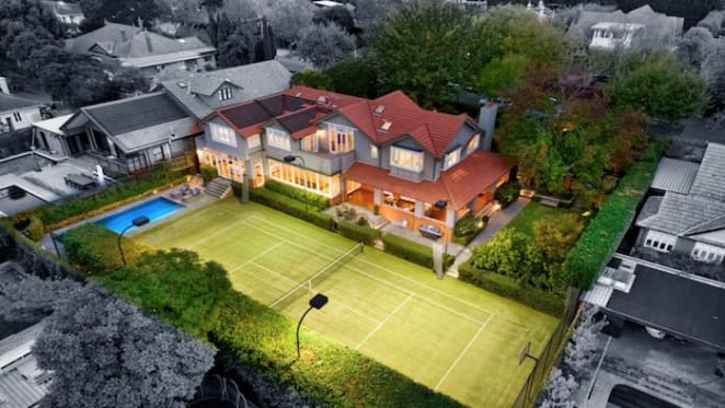 $9 million Glen Iris record setting trophy home resold at $8.05 million