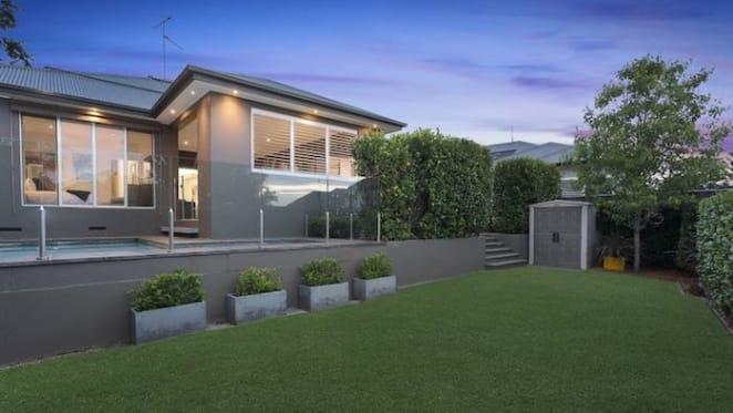 Melbourne-bound AFL star Tom Scully lists Glenhaven home