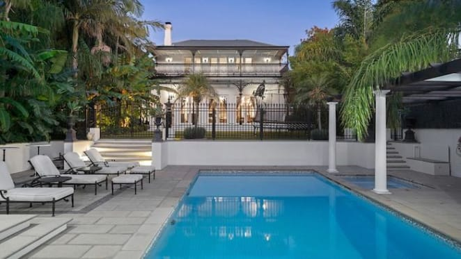 Sport and entertainment manager Ralph Carr lists Hawthorn home