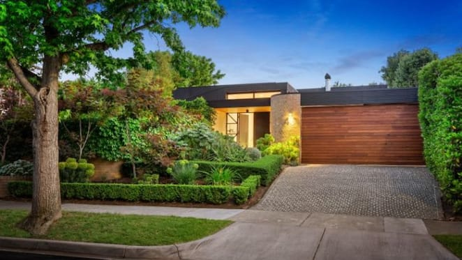 Award-winning Fiona Lynch home in Hawthorn sells