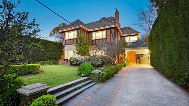 Chinese businessman's Hawthorn East sold under FIRB watch