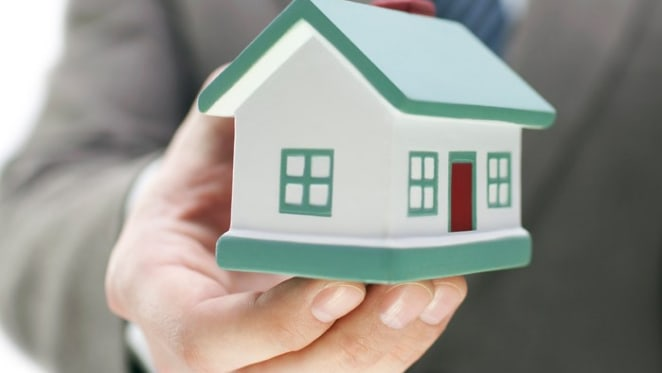 Home owners holding onto their homes longer: CoreLogic's Cameron Kusher