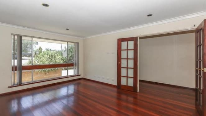 Huntingdale, Perth three bedroom house sold by mortgagee