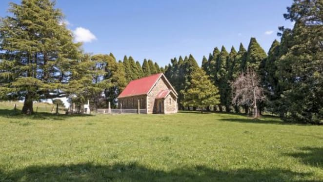 Historic sandstone 1882 church at Kangaloon for sale
