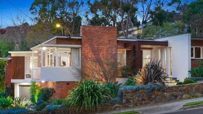 Modernist architect-designed Kew trophy home on the market