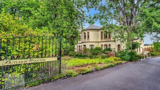 Butleigh Wootton, Kew seven bedroom house for mortgagee sale