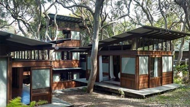 Builder lists Avalon's Angophora House by Richard Leplastrier