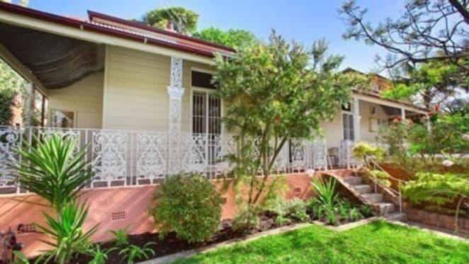 Toni Collette set to cop $900,000 loss as Bronte cottage renovation plans shelved