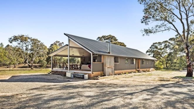 2017 House Rules Lake Fyans transformation sold