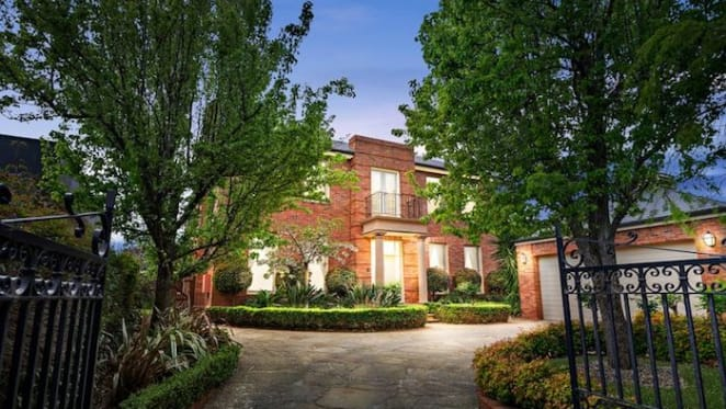 Lake Wendouree adjacent Ballarat trophy home sold for record price