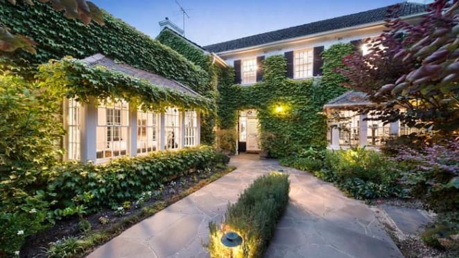 1930s Malvern trophy home listed
