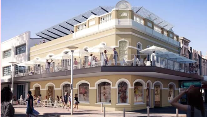 Starbucks leases at Manly Beach
