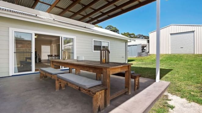 Country music stars Brooke McClymont and Adam Eckersley sell Central Coast home