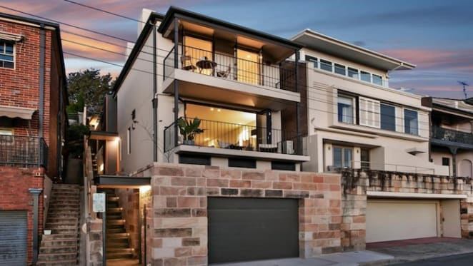 Freestanding McMahons Point residence sells $700,000 above suburb median