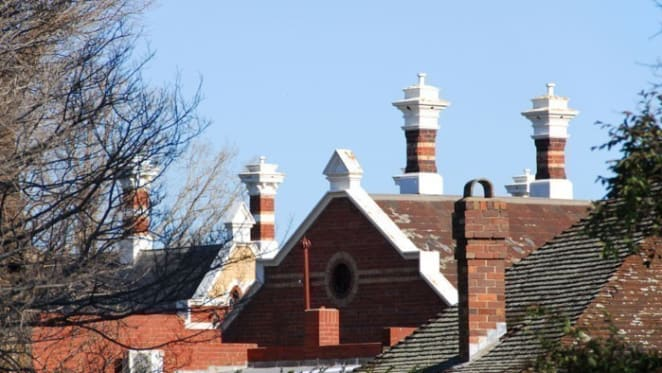 Melbourne property prices could rise during 2017: Saul Eslake