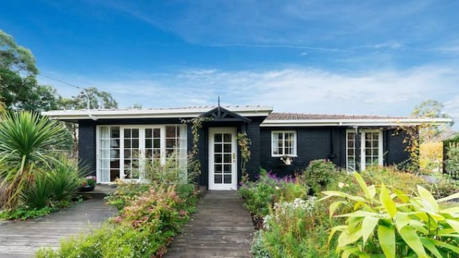 Waterfront trophy home on D'Entrecasteaux Channel listed