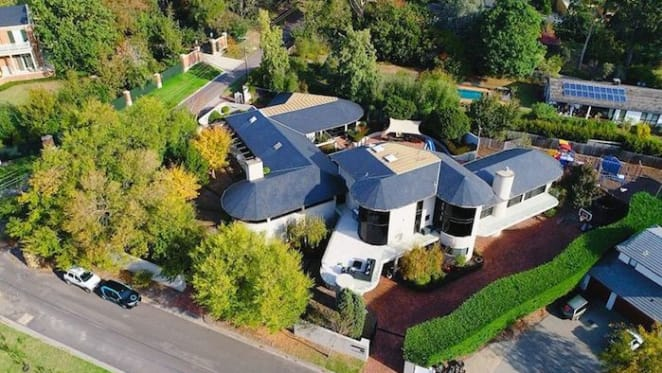 Bargain property at Mount Eliza? Home at $2 million discount