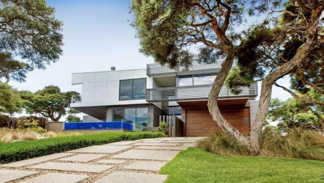 Camerons Close, Sorrento trophy home has $4.4  million plus hopes