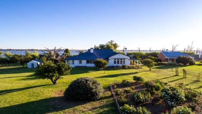 Luxury Riverina estate Tarramia sells