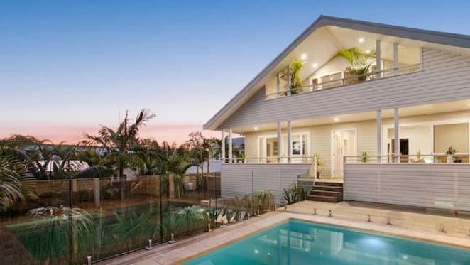 Narrabeen lakeside trophy home sold for $4.27 million