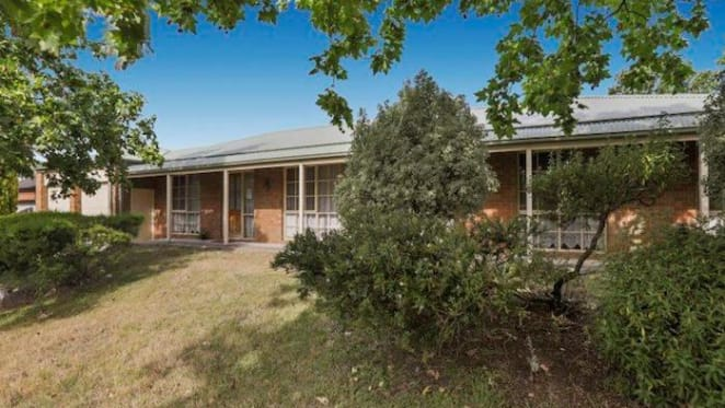 Narre Warren three bedroom house sold by mortgagee