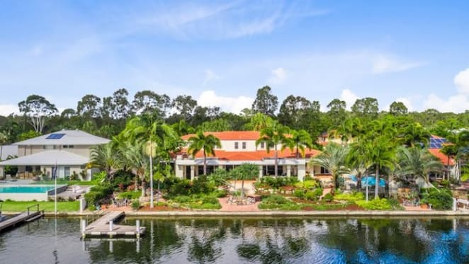 El Delphin, Noosa Waters trophy estate with water frontage listed
