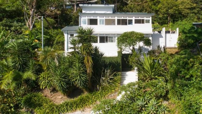 Interior designer Justine Hugh-Jones sells Palm Beach home to Jones magazine editor