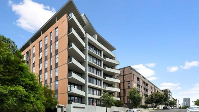 Starryland, Parramatta apartment sold for $32,000 less than 2014 price