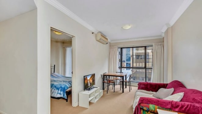 One bedroom Paragon, Perth apartment falls $85,000 from its peak 2007 price