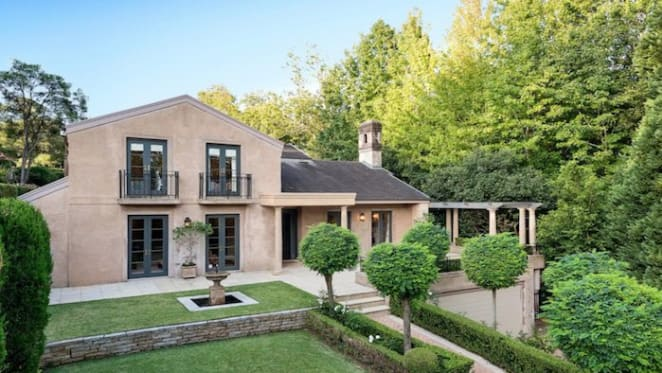 Chinese buyers secure top weekend auction offering