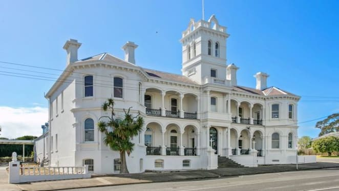 Historic Italianate Queenscliff mansion listed