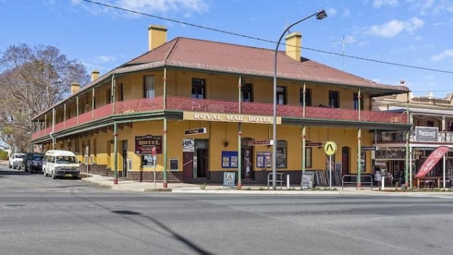 Historic Braidwood hotel, once visited by Mick Jagger, hits the market