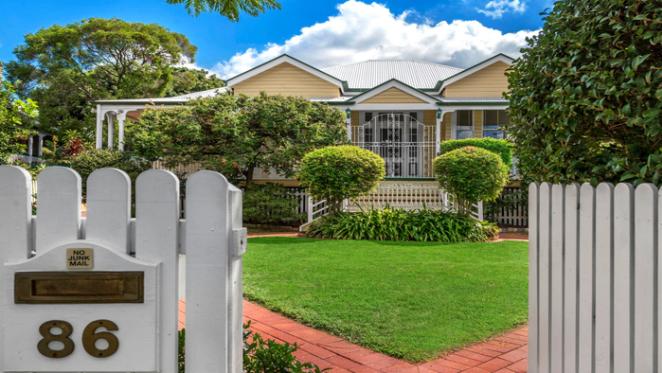 Former Queensland Governor lists Ascot home