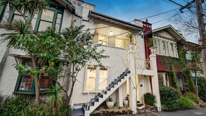 Paul Jennings sells St Kilda property prior to auction