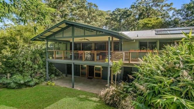 Harrow screenwriter Stephen Irwin sells Brisbane home