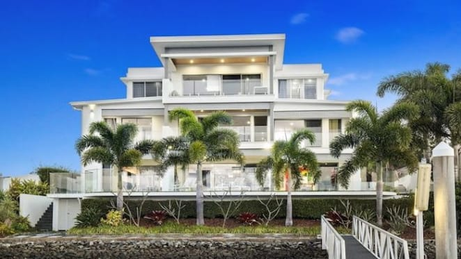 Sanctuary Cove trophy home calling final offers with near $6 million hopes