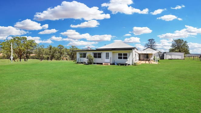 Burnside, Scone farm sold