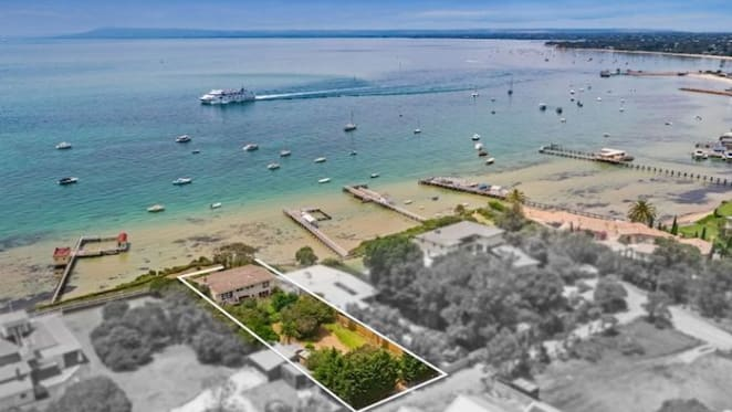 Mid century clifftop Sorrento shack sold for $10 million