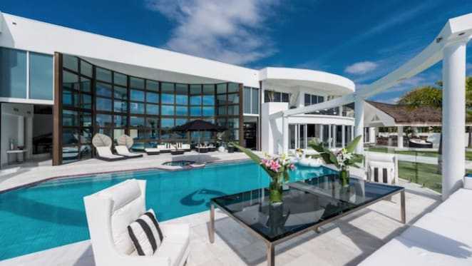 Villa Blue Waters, Paradise Point relisted at $9.99 million