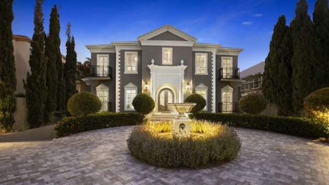 Sovereign Island home featured in Netflix hit Lunatics for sale