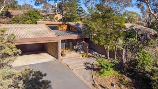 Spence four bedroom house in bushland setting sold at auction