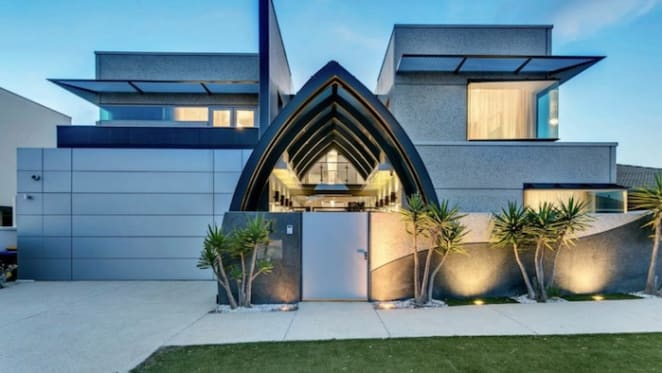 Adelaide star in weekend auctions