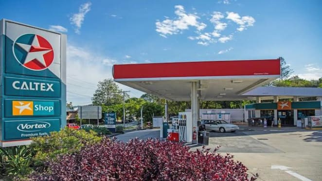 Caltex petrol station in Tewantin sold under the hammer